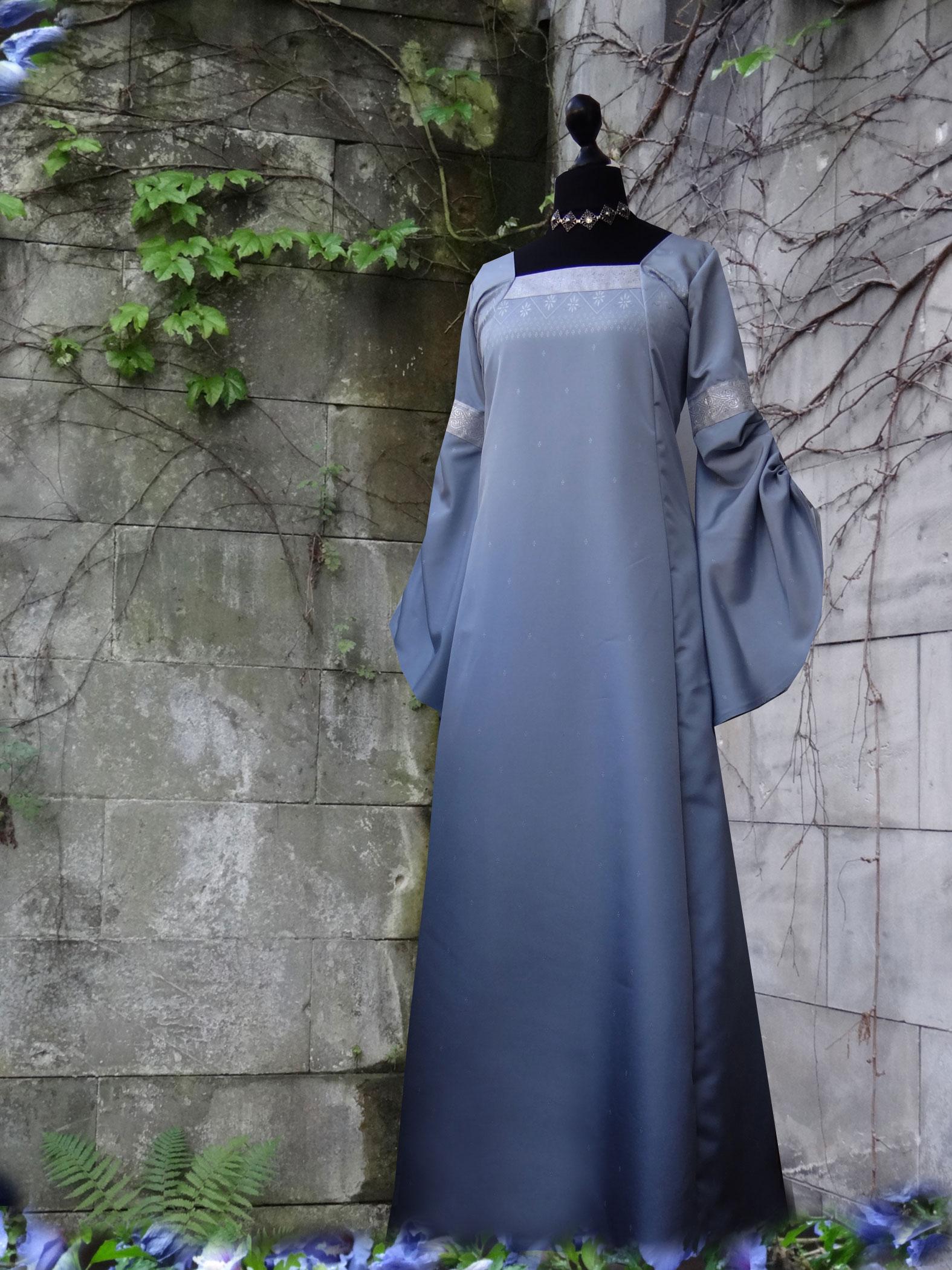 Elfenkleid himmelblau Silberborte Mittelalterkleid Elfen Brautkleid