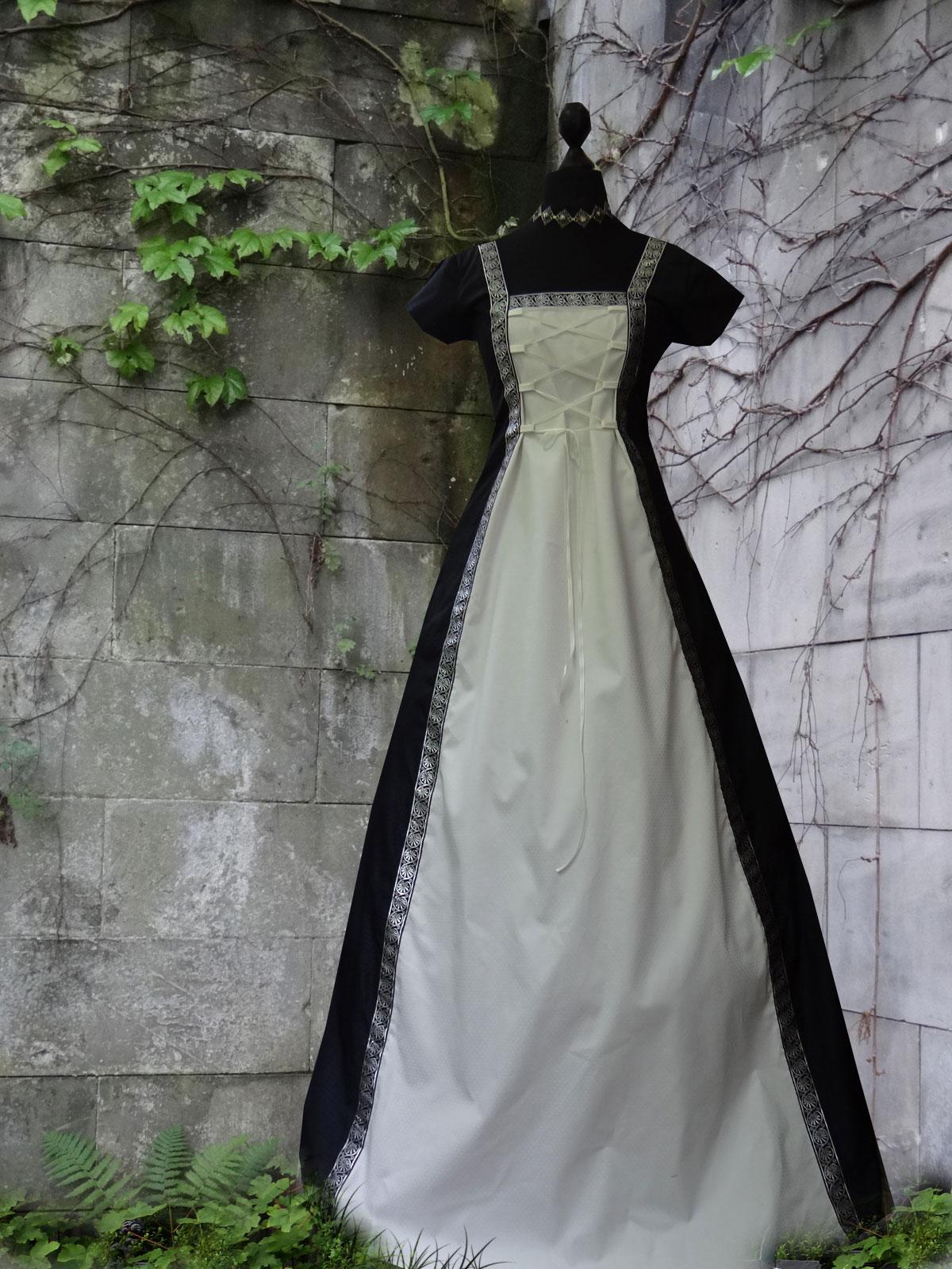 Sommer Mittelalterkleid blau weiß Mittelalterborte ärmellos Medieval Dress
