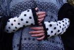 Wollstulpen Punkte cremeweiß schwarz Armstulpen...