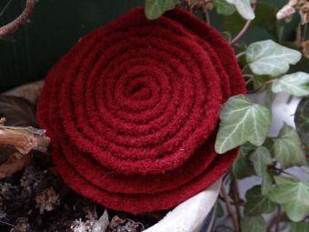 Filzblüte Wollblüte Lagenlook Ansteckblüte rot