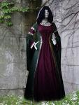 Mittelalterkleid Luna maßgeschneidert Weinrot Grün Kapuze