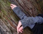 Armstulpen Grau Streifen Wolle