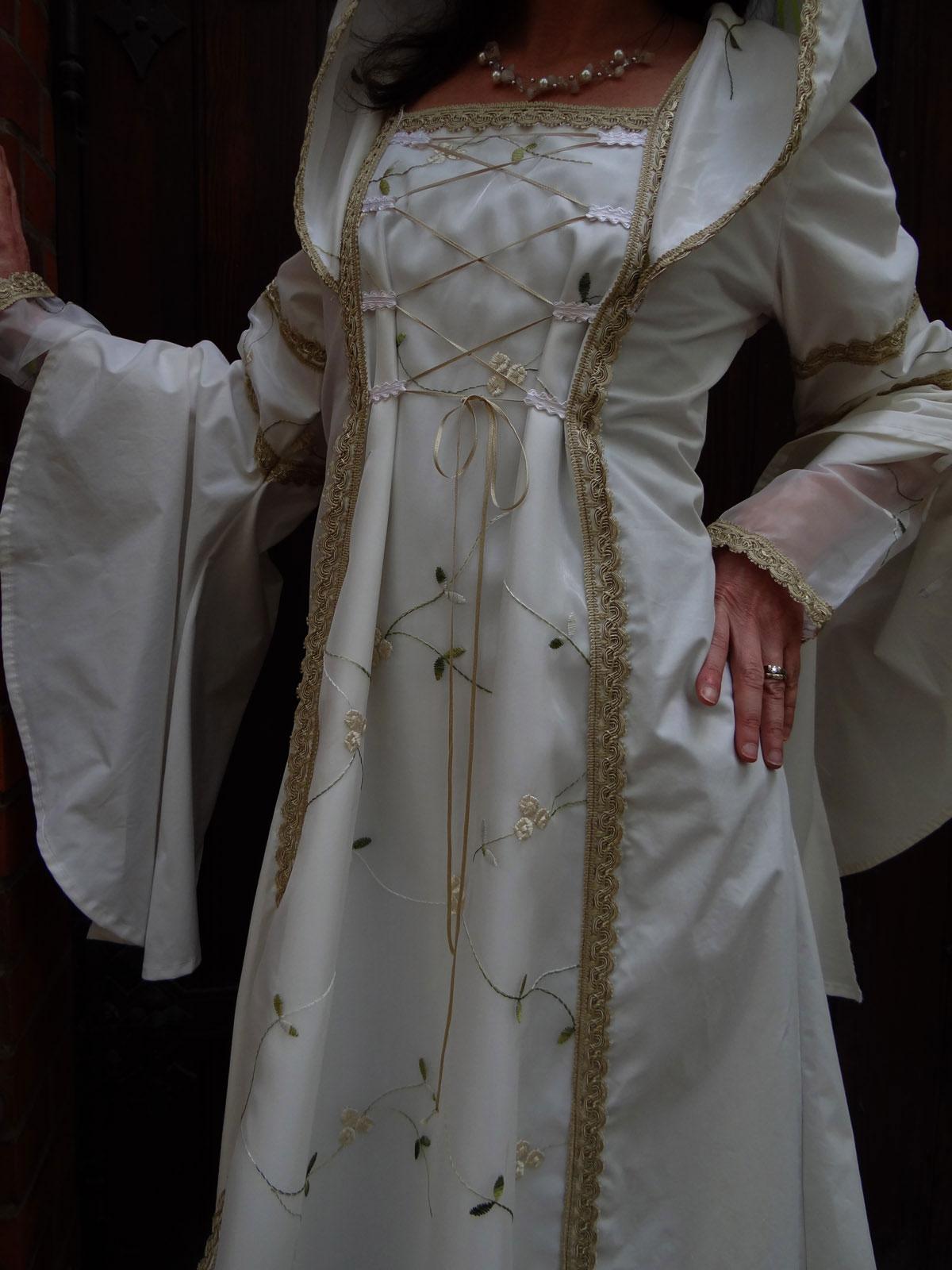 Feenkleid Elfenkleid Brautkleid Hochzeitskleid Stickerei Elfe Trompetenärmel